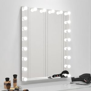 The best Hollywood makeup mirror in the market.